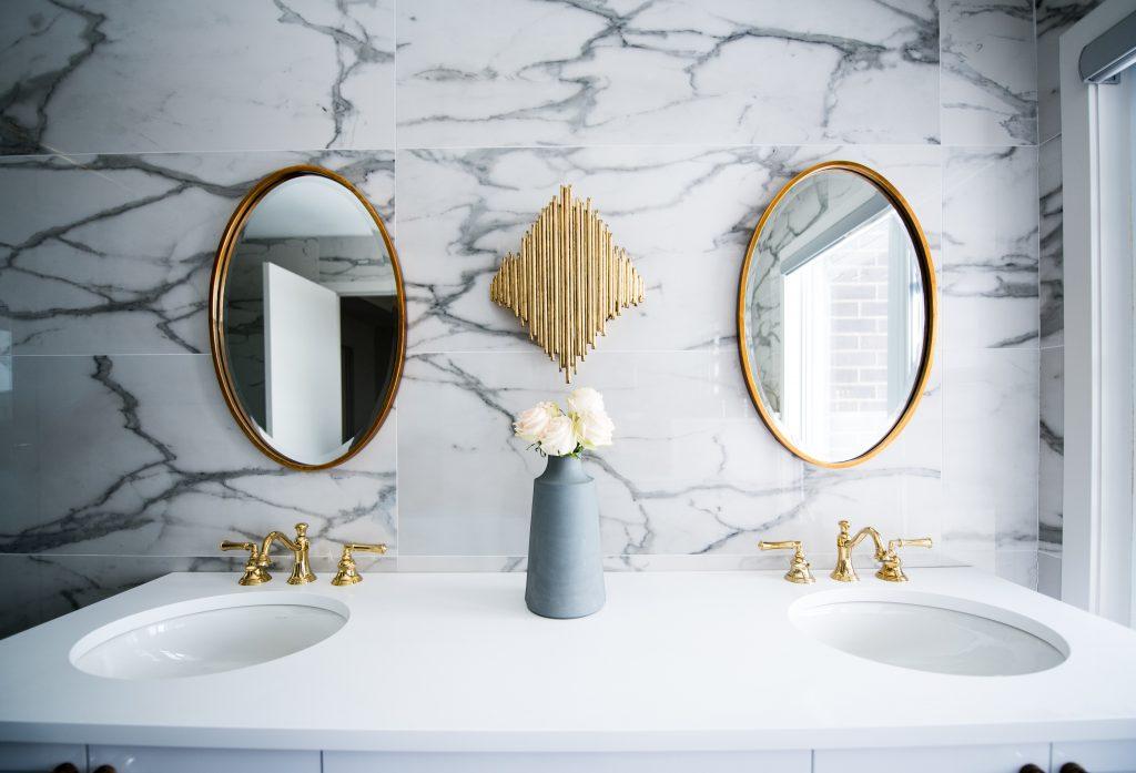bathroom layout vanity